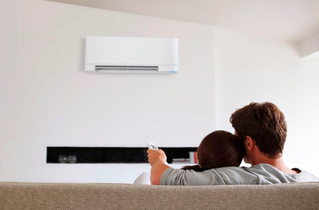 ¿Cómo mantener el aire acondicionado en verano?